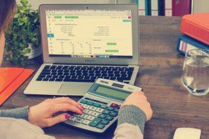 מעקב הוצאות חודשיות