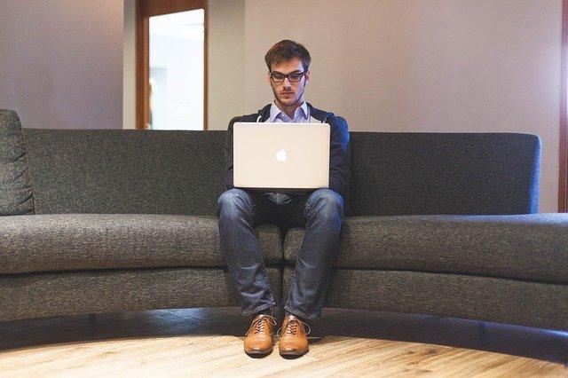 איך למצוא עבודה בהייטק: המדריך למובטל