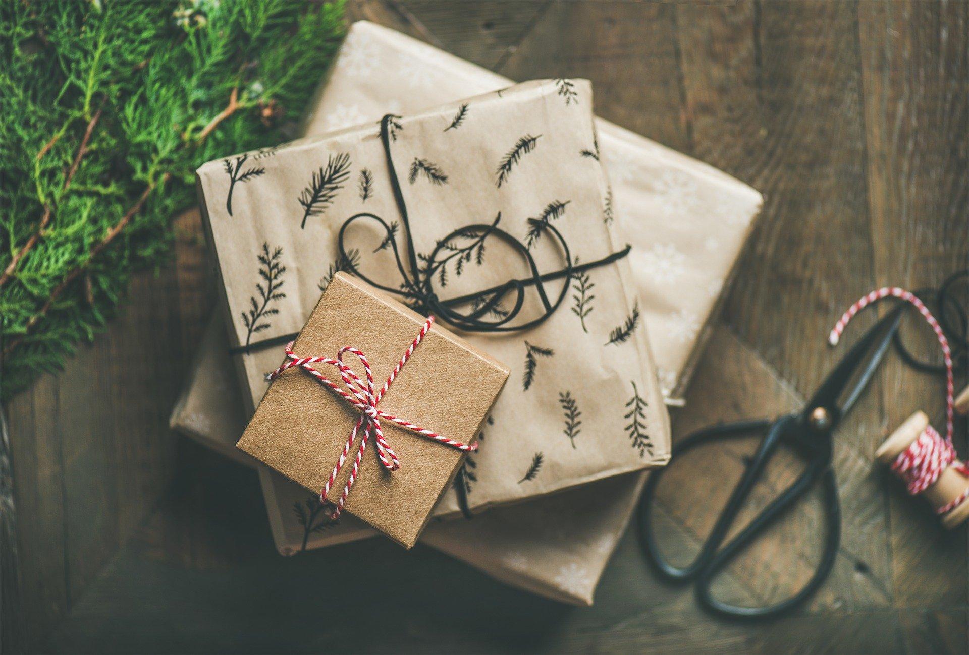 איך לרכוש מתנות לחג באופן מושכל וחסכוני?