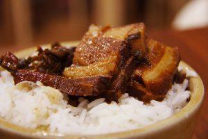 מבשלים ונהנים: מנות בשר חמות ומשביעות שכל המשפחה תאהב